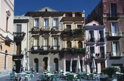 Iglesias en el suroeste de la Sardegna en Italia