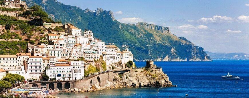 Tour que pasa por la Costa Amalfitana