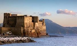 Tour que pasa por Nápoles