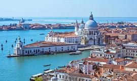 Tour que pasa por Venecia