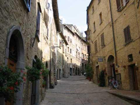 → Los callejones Volterra04