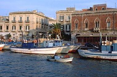 Tour que pasa por Catania en Sicilia