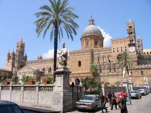 Tour que pasa por Palermo en Sicilia