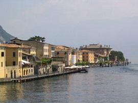 Gargnano en el Lago de Garda, provincia de Brescia - Italia