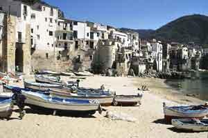 Tour que pasa por Cefalú en Sicilia