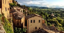Tour que pasa por Montepulciano